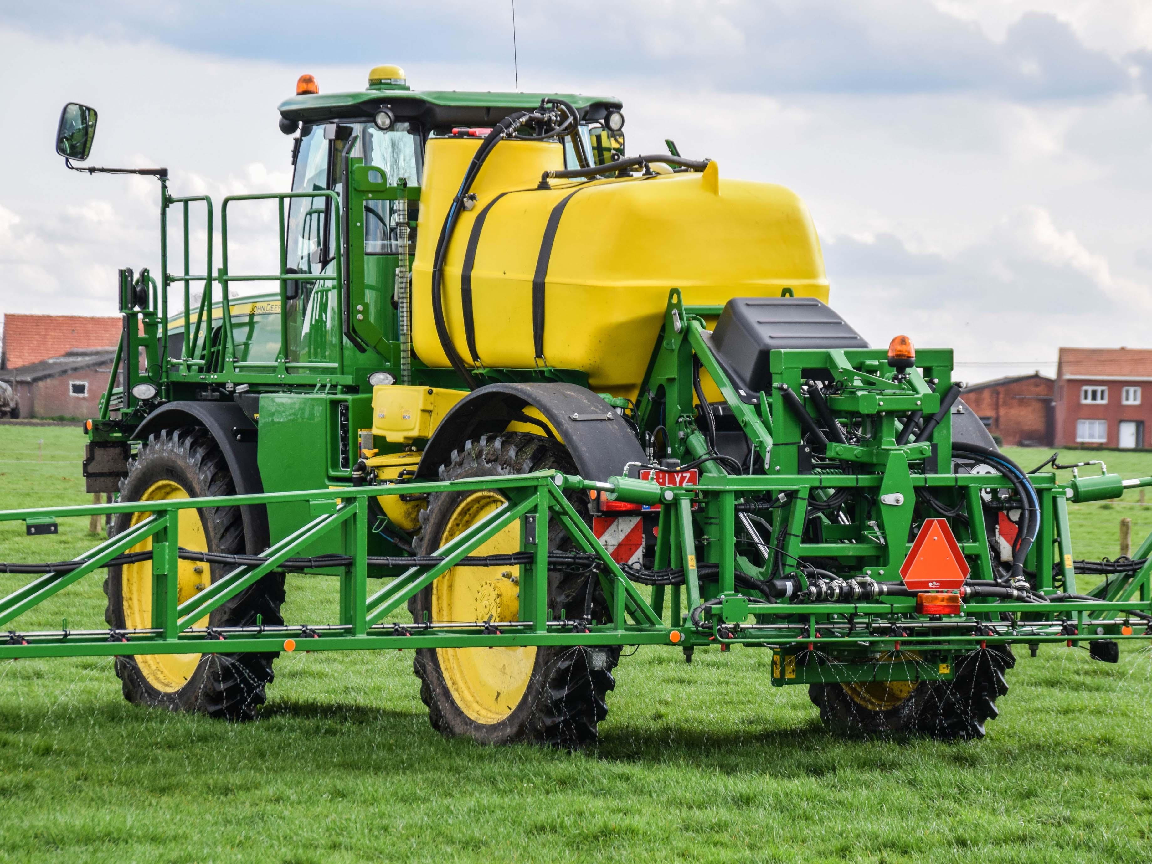 Vloeibare meststoffen spuiten gewasbescherming